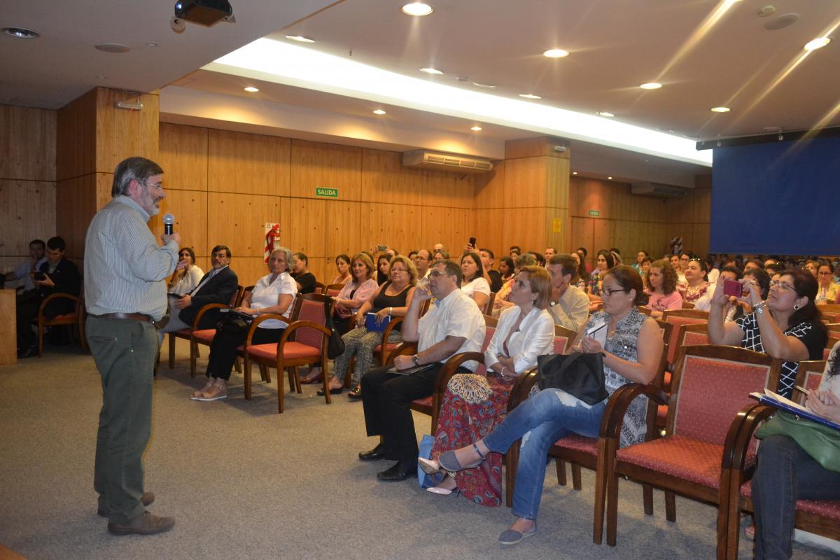 """El CONACYT desarrolló el primer Seminario Internacional """"Educación, Ciencia y Valores: El aula como comunidad de investigación solidaria"""""""